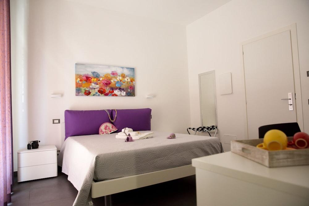 Amuri Room & Suite