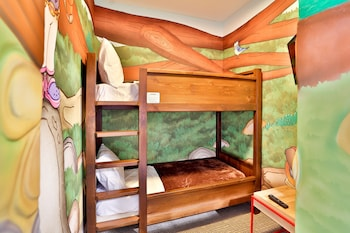 Wolf Den Suite - Water Park Included