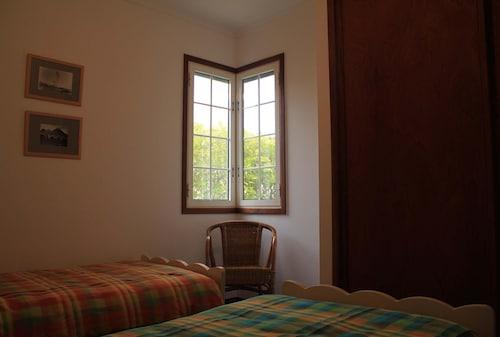 House With 3 Bedrooms in Porto Santo, With Wonderful Mountain View, En, Porto Santo