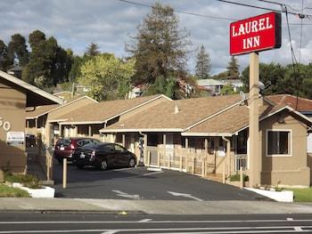 月桂旅館 Laurel Inn