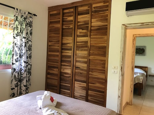 . Costa Riki Apartments