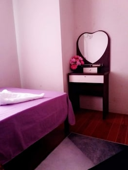 RAFOLS VILLA HOMESTAY - ADULTS ONLY Room