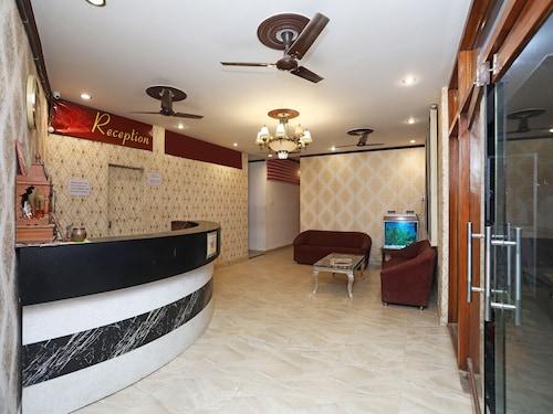 OYO 15027 Hotel Lotus International, Varanasi