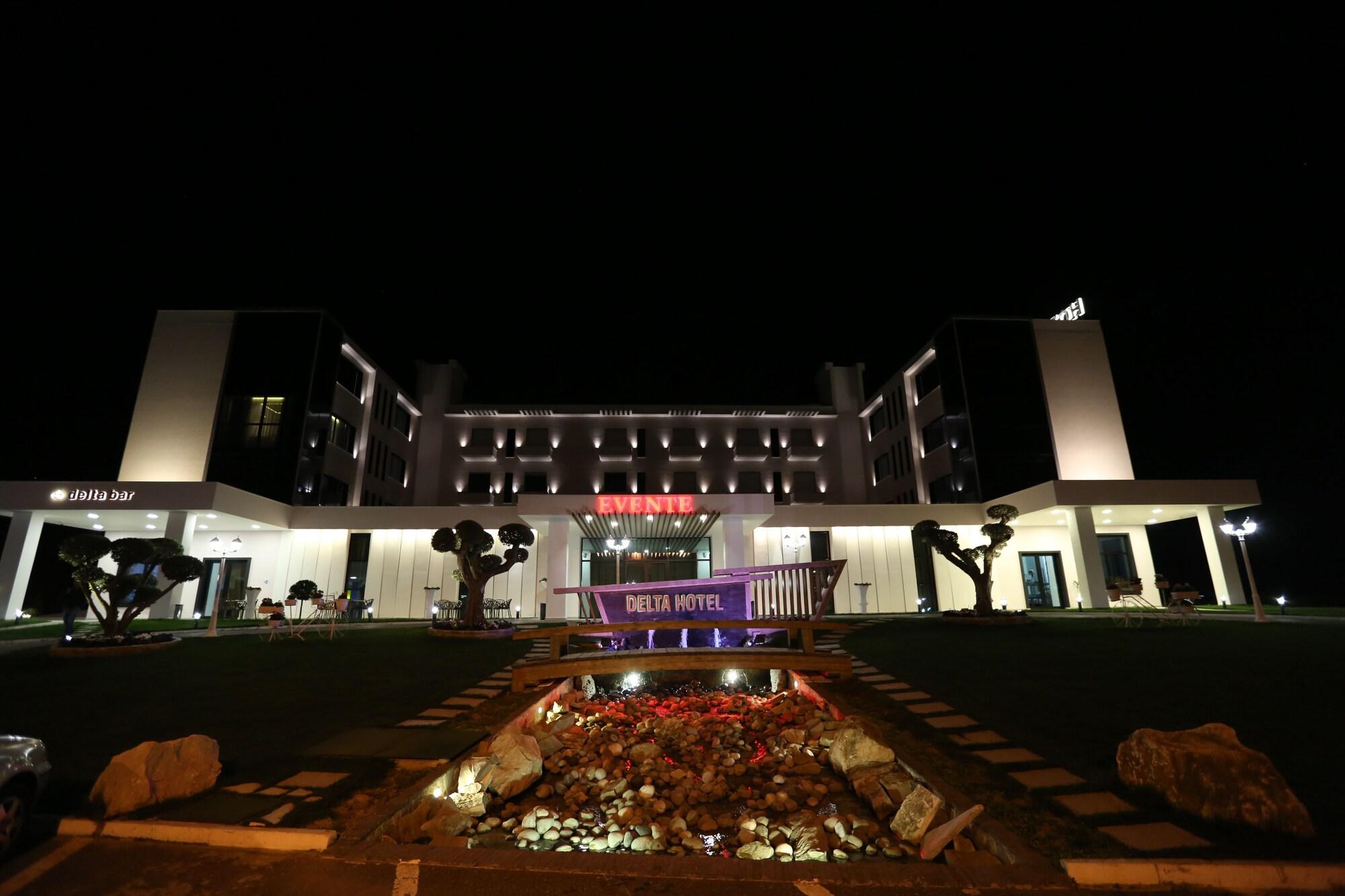 Delta Hotel, Durrësit