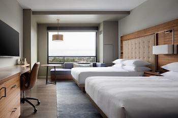 Club Room, 2 Queen Beds, View