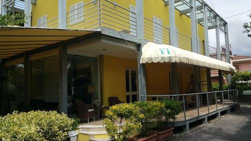 Illi Hotel, Massa Carrara