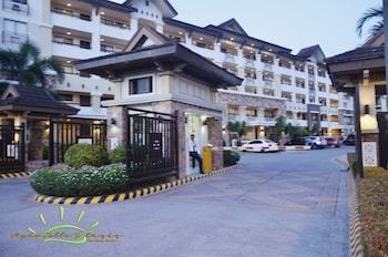 1 BEDROOM DELUXE CONDO AT APARTELLE D' OASIS Property Entrance