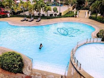 1 BEDROOM DELUXE CONDO AT APARTELLE D' OASIS Outdoor Pool