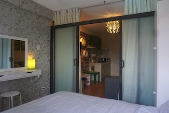 1 BEDROOM DELUXE CONDO AT APARTELLE D' OASIS Room