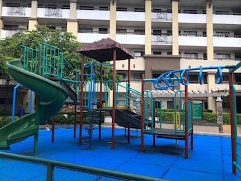 1 BEDROOM DELUXE CONDO AT APARTELLE D' OASIS Children's Play Area - Outdoor