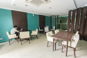 PADGETT PLACE - DELUXE SUITES Executive Lounge