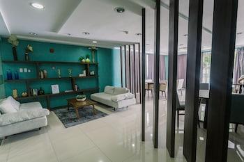 PADGETT PLACE - DELUXE SUITES Business Center