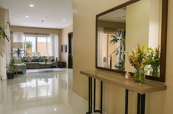 PADGETT PLACE - DELUXE SUITES Living Area