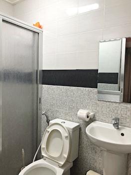 LIGAO BED AND BREAKFAST Bathroom
