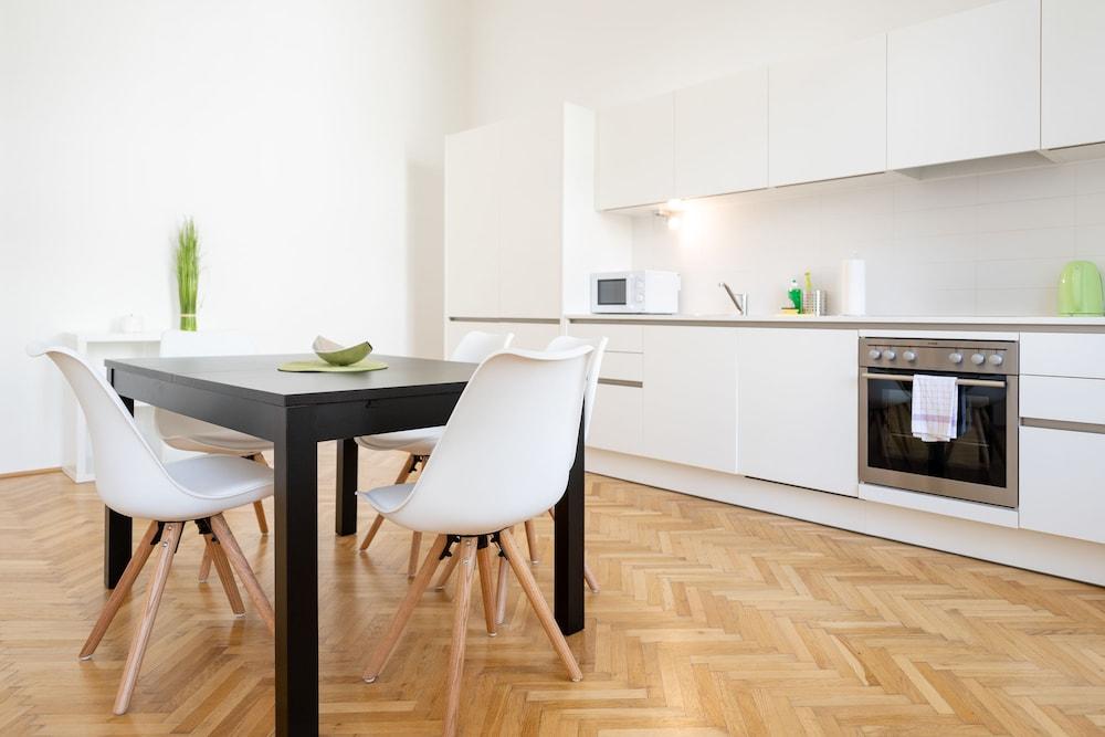 Duschel Apartments Imperial Living