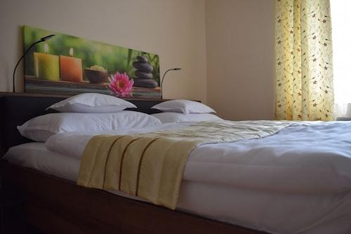 . Aparthotel Orient