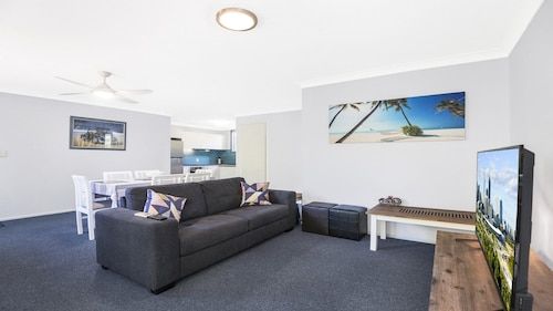 Tugun Palms Holiday Villa, Bilinga-Tugun
