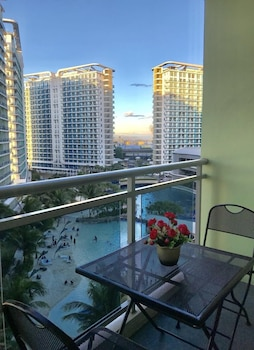 1 BR CONDO BY PA @  AZURE URBAN RESIDENCES Balcony
