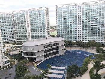 1 BR CONDO BY PA @  AZURE URBAN RESIDENCES Outdoor Pool