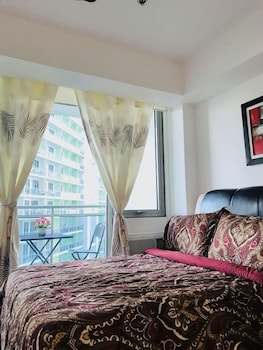 1 BR CONDO BY PA @  AZURE URBAN RESIDENCES Room