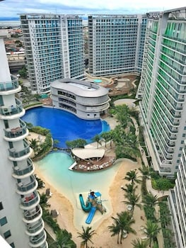 1 BR CONDO BY PA @  AZURE URBAN RESIDENCES Property Grounds