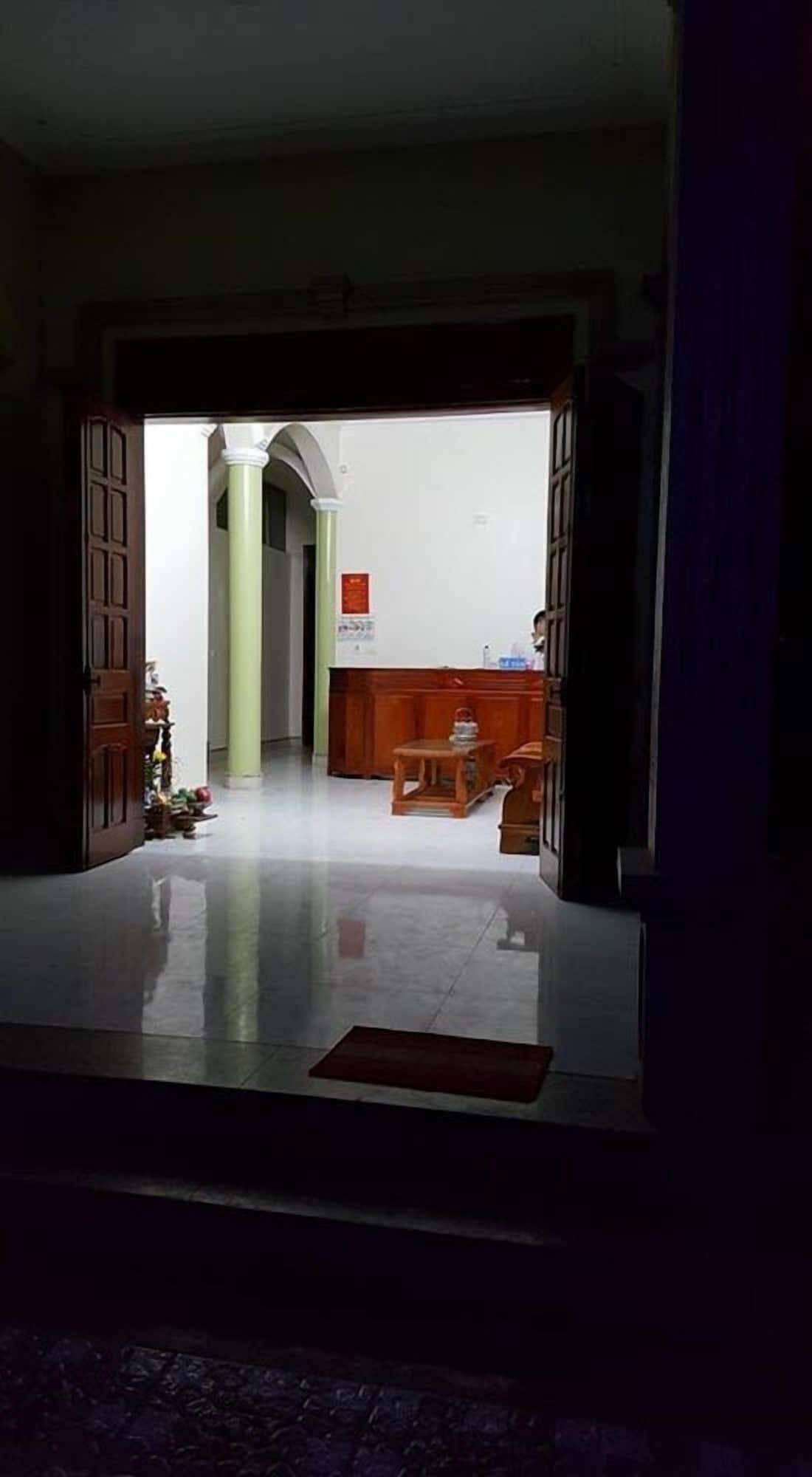 Hoa Chau, Anh Sơn