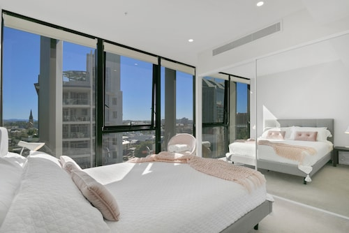Stay In Style - Luxury CBD Apartment, City - Inner