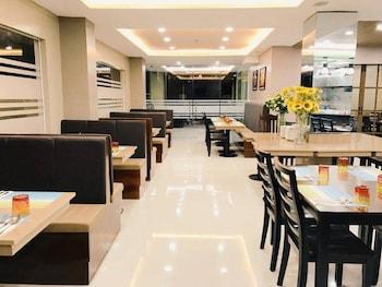 DAVID HOMETEL Restaurant