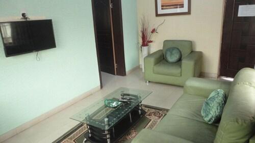 Hallmark Suites Itori, Ewekoro
