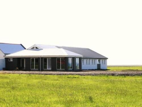 . Guesthouse Vellir