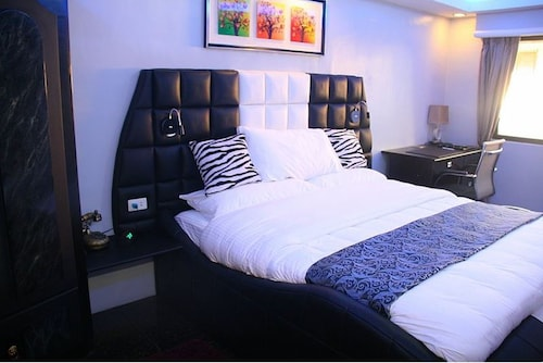 1010 VIP Accommodation, Olongapo City
