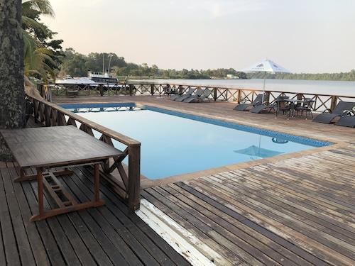 Kwanza Lodge, Viana