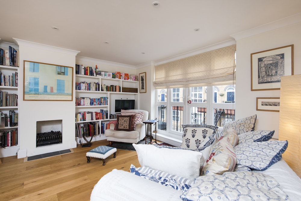 Central 2BR Family Home near Tower Bridge