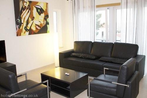 Villa With 4 Bedrooms in Salir do Porto, With Private Pool, Terrace an, Caldas da Rainha