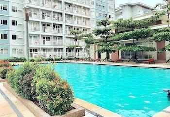 STAYCATION IN QC TREES RESIDENCES