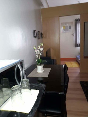 Staycation In QC Trees Residences, Quezon City