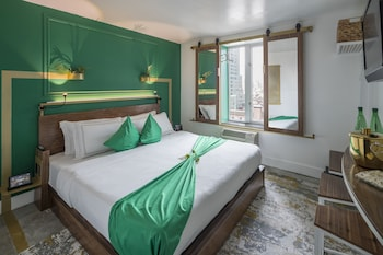 Guestroom at Lord & Moris - Times Square Hotel in New York