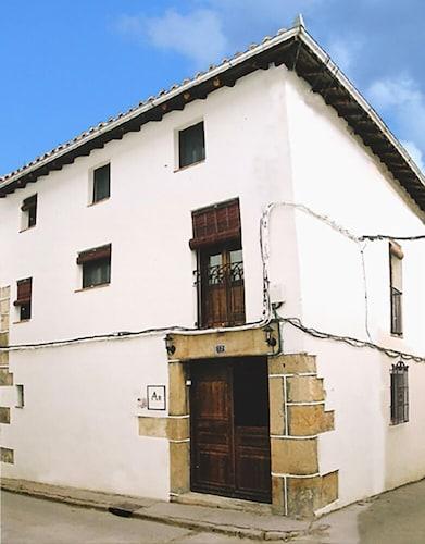 . Apartamentos Víctor Chamorro del Arco