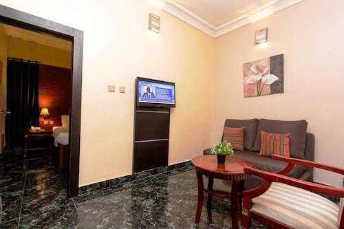 SUNFIT Fitness-Spa-Accommodation, Ajeromi/Ifelodun