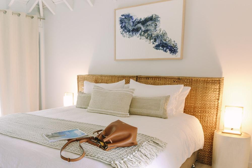 https://i.travelapi.com/hotels/28000000/27100000/27099300/27099238/76402a09_z.jpg
