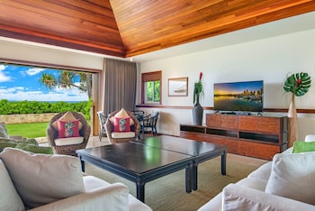 Diamond Head Tiki Estate - Three Bedroom Estate