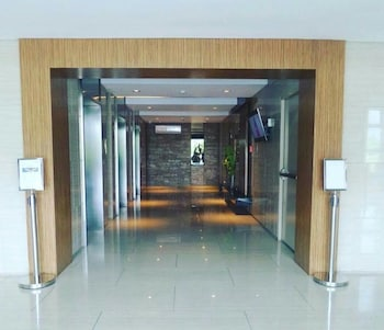 HOMESTAY AT WIND RESIDENCES Hallway