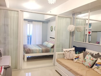 HOMESTAY AT WIND RESIDENCES Room