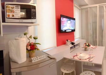 HOMESTAY AT WIND RESIDENCES In-Room Dining