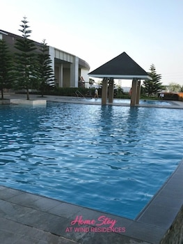 HOMESTAY AT WIND RESIDENCES Outdoor Pool