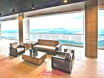 HOMESTAY AT WIND RESIDENCES Lobby Lounge