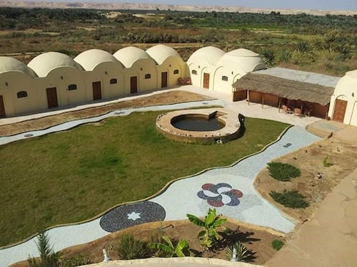 Bawiti Oasis Resort, Unorganized in Al Jizah