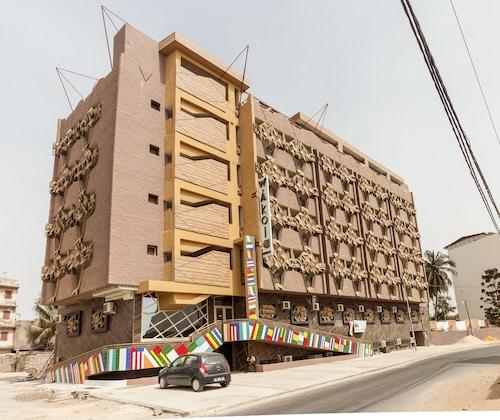 Wakola Hôtel Cheikh Anta, Dakar