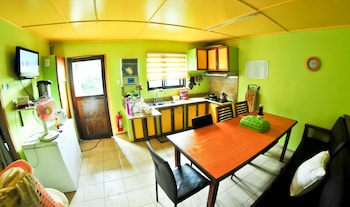 INA HOMESTAY Private Kitchen