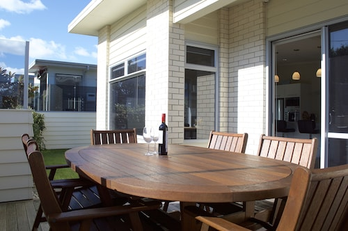 Escape to Buller, New Plymouth